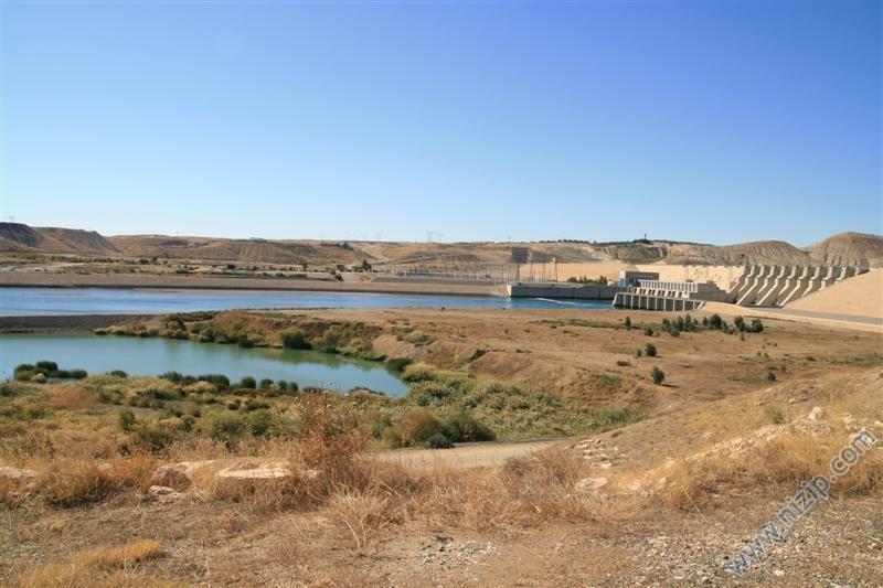 Birecik Baraj Gölü Havzası ve Otoban Köprüsü
