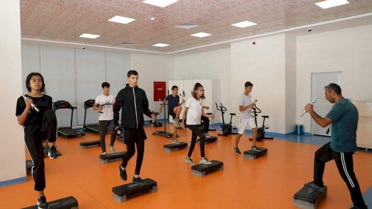 Nizip Belediyesi'nin Spora Sporcuya Desteği Sürüyor